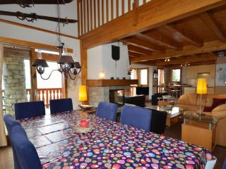 La Couronne is a spacious ski chalet that sleeps 10p over 3 floors - Vallandry vacation rentals