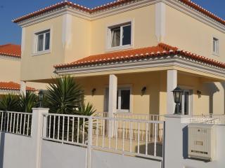 Villa Dolce Vita, nr Ericeria - Ericeira vacation rentals
