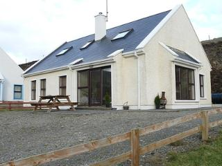 Rathryan Cottage - at the home of Star Wars Ep.8! - Malin Head vacation rentals