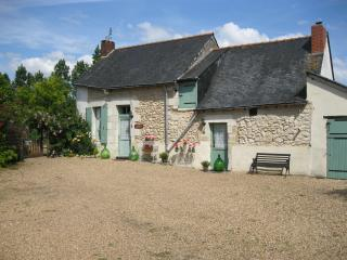 Perfect Gite in Noyant with Outdoor Dining Area, sleeps 6 - Noyant vacation rentals