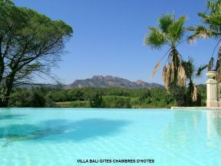 Villa Bali: gite Bali, AIRCO ;WIFI - Roquebrune-sur-Argens vacation rentals