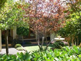 Bright 4 bedroom Merimbula House with A/C - Merimbula vacation rentals