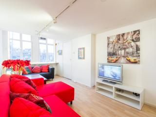Central Smoker friendly nr.2 - Amsterdam vacation rentals