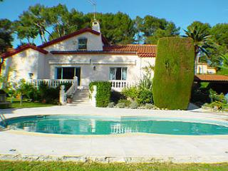 5 bedroom Villa in Mougins, Cote D Azur, France : ref 2000033 - Mougins vacation rentals