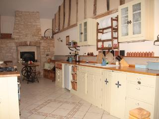 5 bedroom Manor house with Internet Access in Bagnault - Bagnault vacation rentals