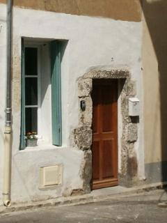 Nice House with Deck and Short Breaks Allowed - Villeneuve les Beziers vacation rentals