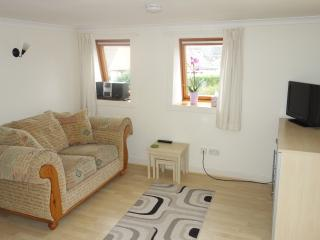 2 Bellevue - 1 BED WALKING DISTANCE TO TOWN - Linlithgow vacation rentals
