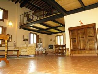 Charming 2 bedroom Cortona House with Private Outdoor Pool - Cortona vacation rentals