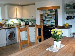 Beautiful Cottage with Internet Access and Dishwasher - Isle Ornsay vacation rentals
