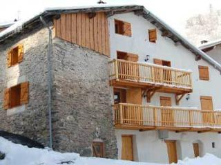 Apart Cheval Noir (sleeps 6) - Saint-Martin-de-Belleville vacation rentals