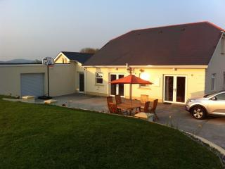 Spacious 6 bedroom Cottage in Kilnaleck with Internet Access - Kilnaleck vacation rentals
