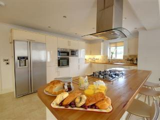 Bright House with Internet Access and Dishwasher - Barnstaple vacation rentals