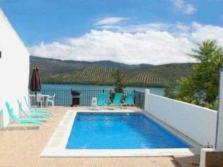 Stunning Views - Villa in the heart of Iznájar - Iznajar vacation rentals