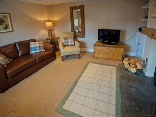 Lovely 2 bedroom Inverness Cottage with Dishwasher - Inverness vacation rentals