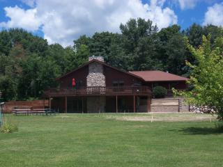 Redwood Retreat Rockton IL. on 5 acres - Illinois vacation rentals