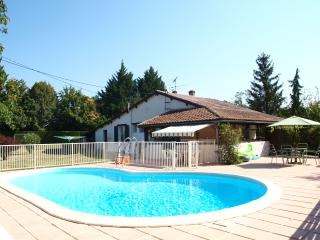 Beautiful Bungalow with Internet Access and Satellite Or Cable TV - Villereal vacation rentals