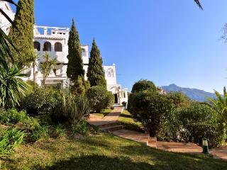 Beautiful 2 bedroom Apartment in Marbella with Internet Access - Marbella vacation rentals