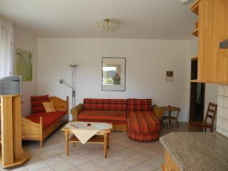 Vacation Apartment in Idar-Oberstein - 721 sqft, large yard, barbecue (# 2724) - Idar-Oberstein vacation rentals
