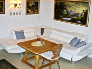Vacation Apartment in Munich - 915 sqft, bright, comfortable (# 4679) - Eichenau b Muenchen vacation rentals