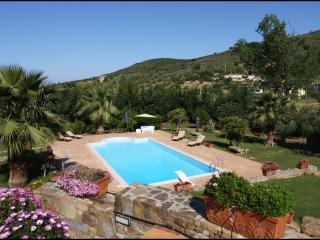 Villa Tresino - Castellabate - Appartamento 4/5 bedrooms - Santa Maria di Castellabate vacation rentals