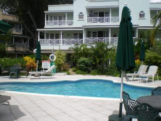 Margate Gardens, opp Boardwalk, Beach, and Tapas! - Christ Church vacation rentals