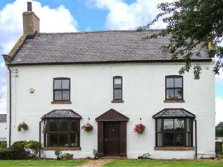 SWALLOWS FARM, en-suite facilities, WiFi, hot tub, Ref 906409 - Northumberland vacation rentals