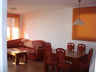 Nice 3 bedroom Kosharitsa Villa with Internet Access - Kosharitsa vacation rentals