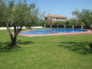 Casa a 300 metros de la playa - L'Ametlla de Mar vacation rentals