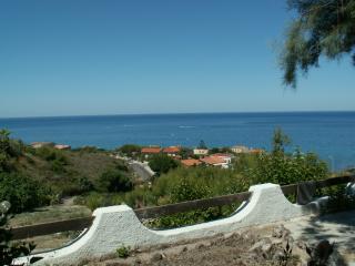 CASA BIANCA - Bosa vacation rentals