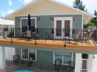Anna Maria Island Beach Paradise (April Special)) - Holmes Beach vacation rentals