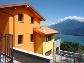 2 bedroom Apartment with Internet Access in Germasino - Germasino vacation rentals