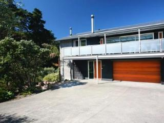 Amazing House - 2 Beaches - New Zealand vacation rentals