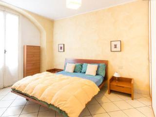 Cozy flat for 2 in Como center - Como vacation rentals