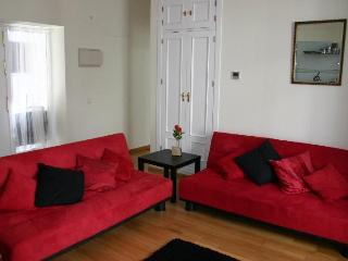 The beating heart of Jerez. Mordern apartment in the historic centre - Jerez De La Frontera vacation rentals