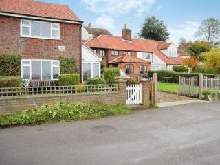 Nice House with DVD Player and Washing Machine - Surlingham vacation rentals