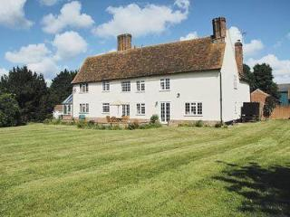 Charming House with DVD Player and Washing Machine - Saffron Walden vacation rentals