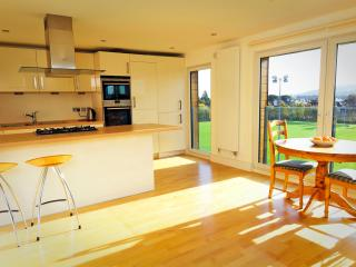 1 bedroom Condo with Internet Access in Edinburgh - Edinburgh vacation rentals