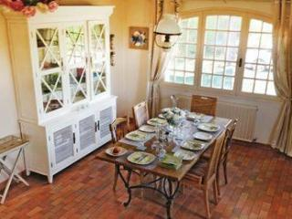 Sunny 6 bedroom House in Les Sables-d'Olonne with Washing Machine - Les Sables-d'Olonne vacation rentals
