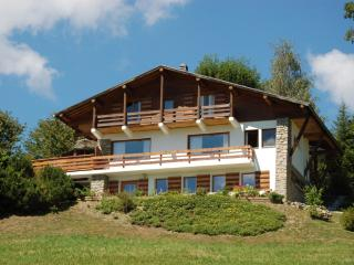 Spacious 6 bedroom Combloux Chalet with Internet Access - Combloux vacation rentals
