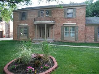 Rentalago Toledo Executive Home - Perrysburg vacation rentals