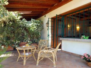 Relais Il Melograno - Garden apartment - Breda di Piave vacation rentals