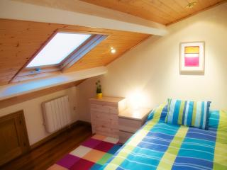 Nice attic bedroom with terrace - Santiago de Compostela vacation rentals