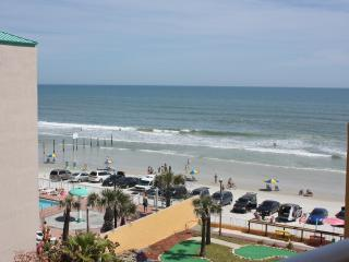 Suite On The Beach!  In The Heart Of Daytona Beach - Daytona Beach Shores vacation rentals