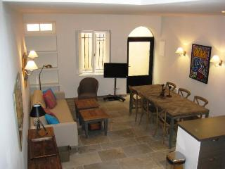 Nordic Suquet 1, Fantastic 2 Bedroom Holiday Rental in Cannes - Cannes vacation rentals