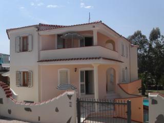 VILLA EUROTOP N.17, Nice apartment with pool - Cala Liberotto vacation rentals
