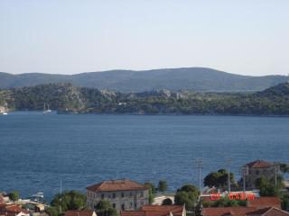 Beautiful 1 bedroom Apartment in Sibenik - Sibenik vacation rentals
