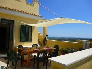 CASA-MONMAR.-BUSULMONE2-vista Monti/Mare - Noto vacation rentals