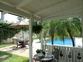 Delray Beach Pineapple Villa. Huge Salt Water Pool - Ocean Ridge vacation rentals