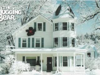 Hugging Bear Inn & Shoppe- rent entire Inn - Chester vacation rentals
