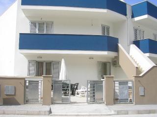 RESIDENZA LIDO CONCHIGLIE (6 posti letto/sleeps) - Sannicola vacation rentals
